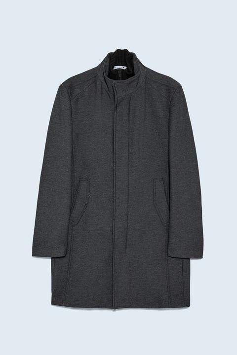 Abrigo Estructura Cuello Combinado de Zara en 21 Buttons