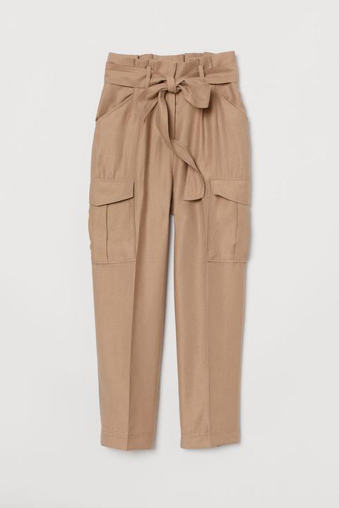 Junge auf großhandel neu billig Paperbag-hose - Beige - Damen from H&M on 21 Buttons