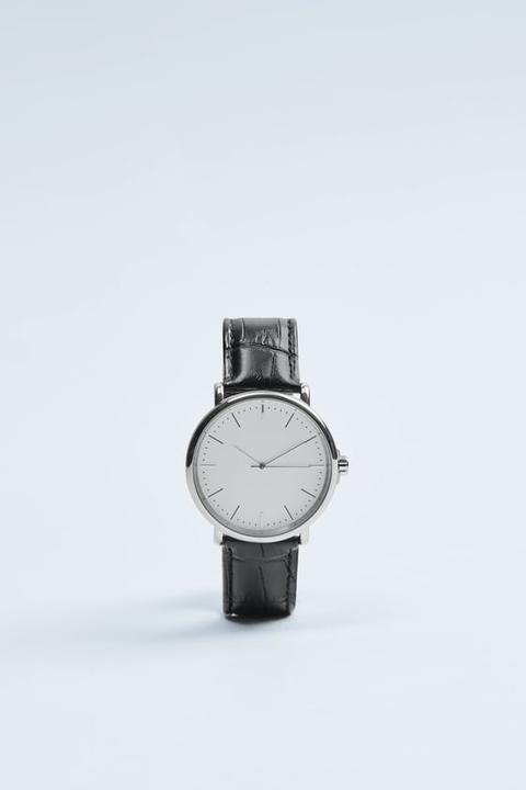 Reloj Minimal Pulsera Piel Grabada Negra de Zara en 21 Buttons
