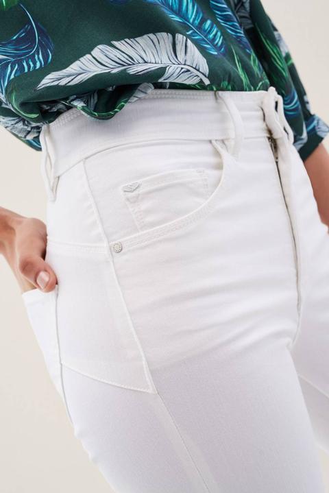 Vaqueros Secret Glamour Push Capri de Salsa en 21 Buttons