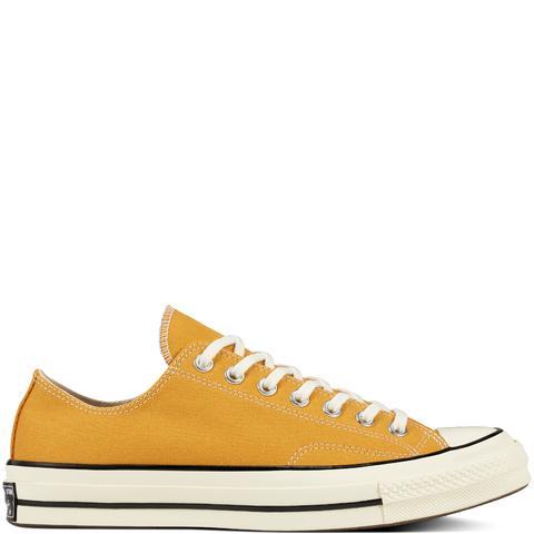 Converse Chuck 70 Classic Low Top Yellow de Converse en 21 Buttons