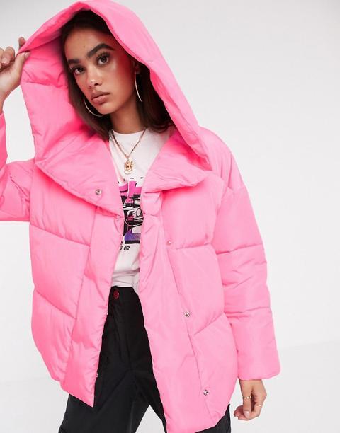 Plumífero Rosa Con Capucha Y Diseño Cruzado Bubblegum De Asos Design de ASOS en 21 Buttons