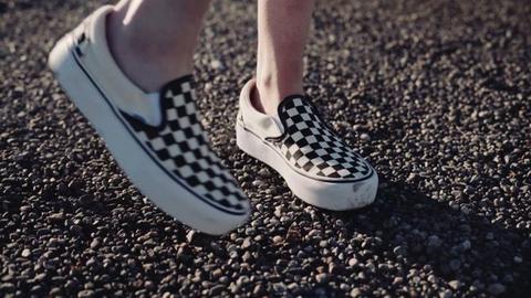 Vans Slip on Black & White Checkered Skate Shoes | Zumiez de Zumiez en 21 Buttons