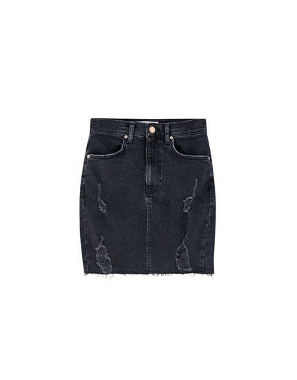 b76fc4a7c Minifalda Textura 5 Bolsillos from Pull and Bear on 21 Buttons