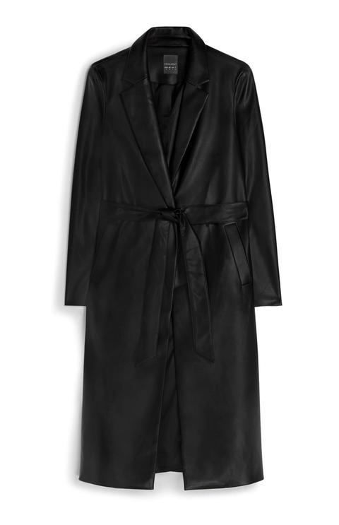 Abrigo De Cuero Negro Con Cinturón de Primark en 21 Buttons