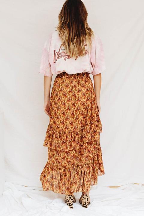 3724aab1c7 Social Marketplace Frill Maxi Skirt // Mustard de Verge Girl en 21 ...