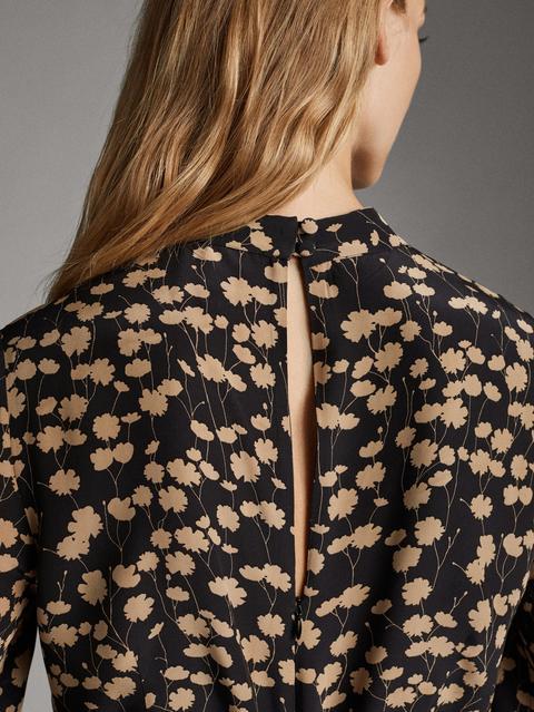 Vestido Negro Estampado Flores de Massimo  Dutti en 21 Buttons