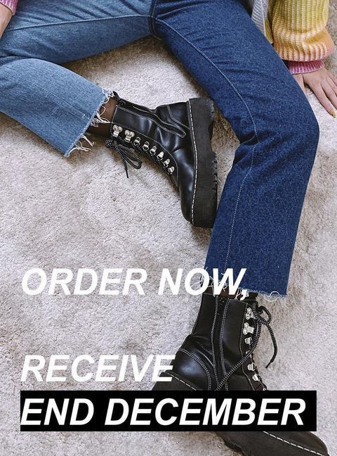 Black Boots (xmas) de Laagam en 21 Buttons