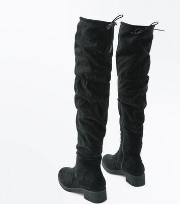 Black Suedette Over The Knee Slouch Boots de NEW LOOK en 21 Buttons