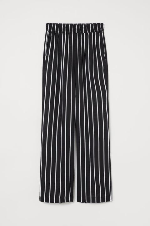 06b1546e7 H & M - Pantalon Large - Noir from H&M on 21 Buttons