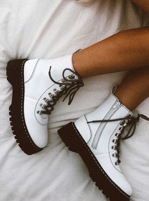 White Boots de Laagam en 21 Buttons