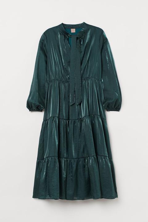 H & M+ Vestido Midi - Verde de H&M en 21 Buttons