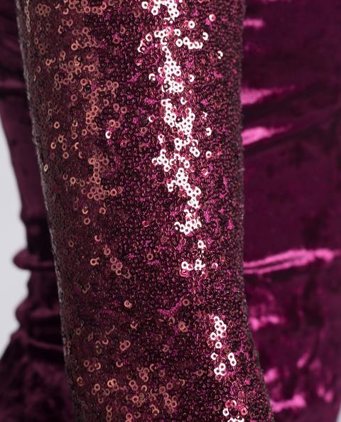 Red Velvet Dress · Burdeos