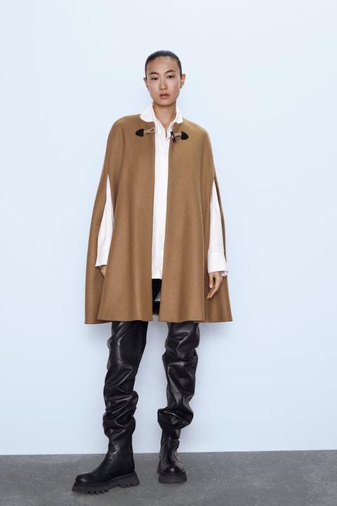 Capa Larga Bolsillos de Zara en 21 Buttons