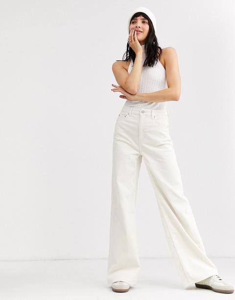 Pantalones De Pana De Campana En Blanco De Weekday