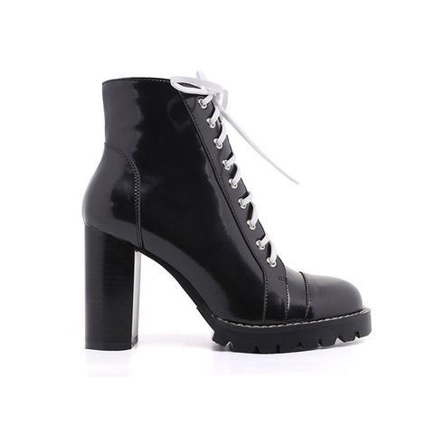 Exclusive - Kefe Chunky Heel Ankle Desert Boots de Jessica Buurman en 21 Buttons