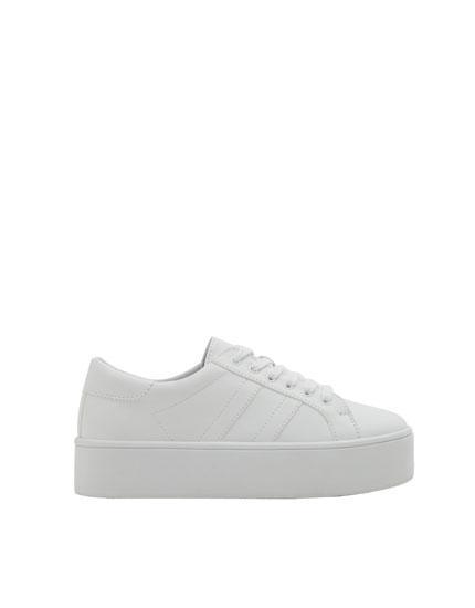 Weiße Plateau-sneaker