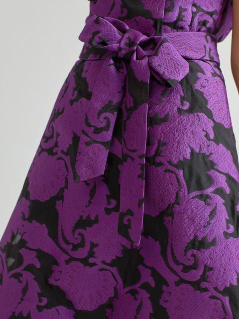 Vestido Jacquard Corto En Rodillas
