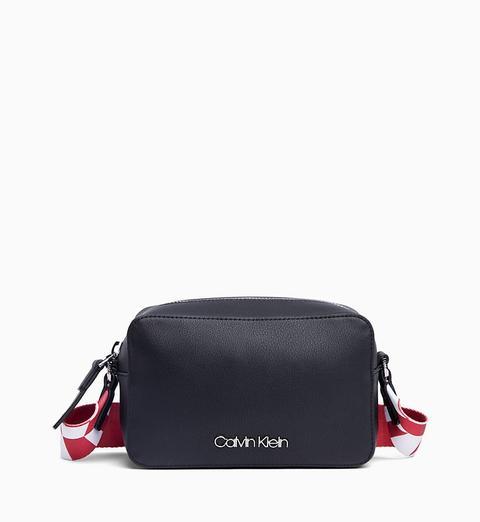 promo code 1ce7c d8ffa Borsa A Tracolla from Calvin Klein on 21 Buttons