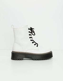 Weiße Schnürstiefelette