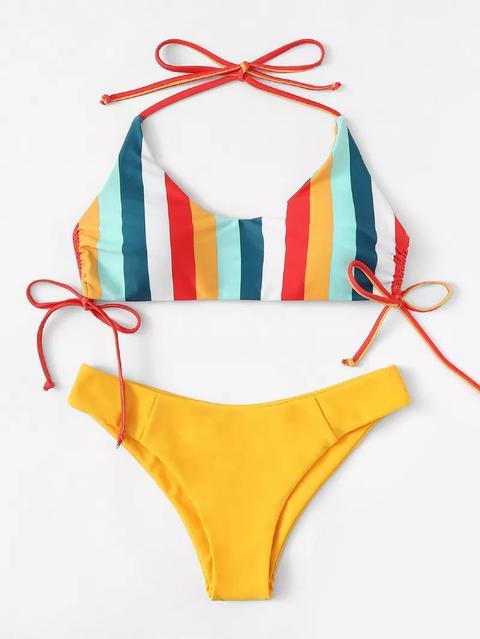 Bikini Set Mit Ananas Muster Und Knoten Vorn 1