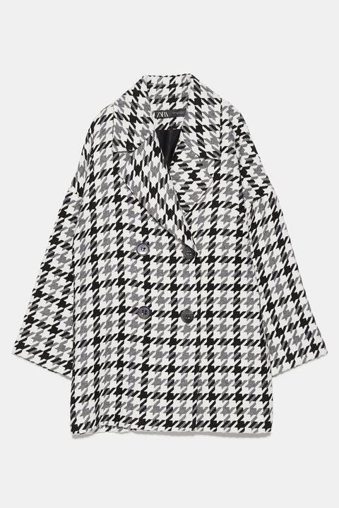 Abrigo Oversize Jacquard de Zara en 21 Buttons