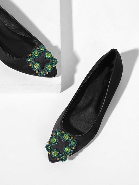 Zapatillas Slip On Con Diseño De Diamante De Imitación from SheIn on 21 Buttons