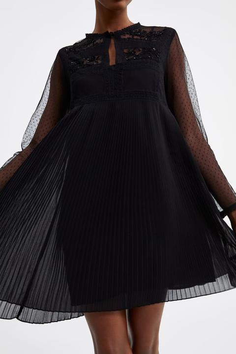 vendita a basso prezzo venduto in tutto il mondo molti stili Vestito Plissettato Con Abbinamento Di Tessuti from Zara on 21 Buttons