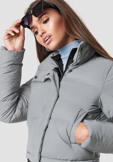 Short Puffy Jacket Grey de NA-KD en 21 Buttons