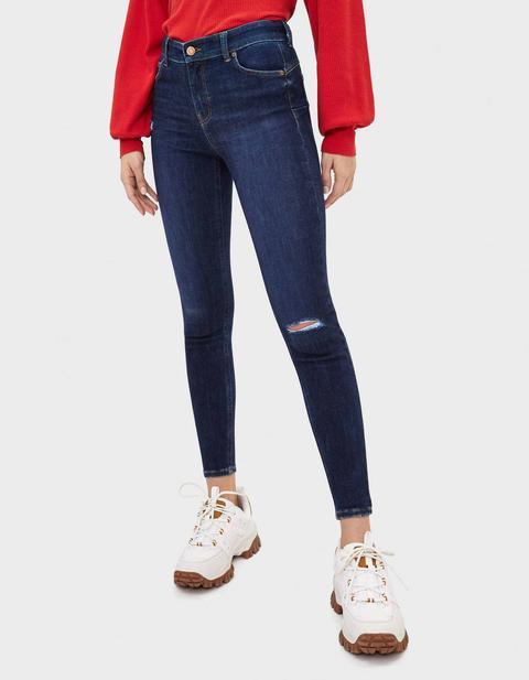 Jeans Push Up Mid Waist de Bershka en 21 Buttons