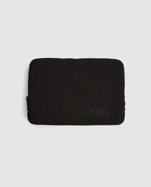 Calvin Klein - Funda De Ordenador Portátil En Neopreno Negro de El Corte Ingles en 21 Buttons