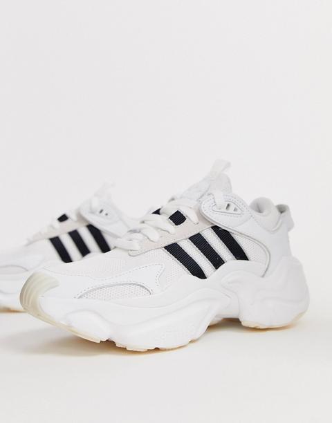 Zapatillas De Deporte Para Correr En Negro Y Blanco Magmur De Adidas Originals