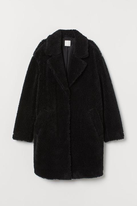 Abrigo En Tejido Peluche - Negro de H&M en 21 Buttons