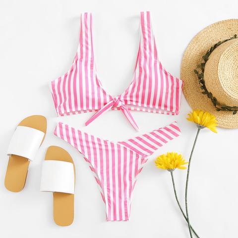Conjunto De Bikini Con Nudo En La Parte Delantera