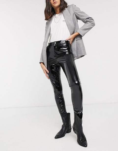 Pantalones Ajustados De Vinilo En Negro De Topshop de ASOS en 21 Buttons
