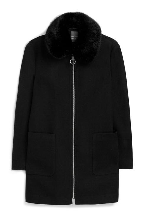 Abrigo Negro Cuello De Piel Sintética