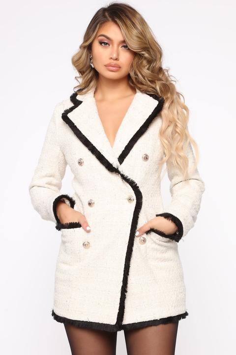 Queen Boss Blazer Mini Dress - Ivory de Fashion Nova en 21 Buttons