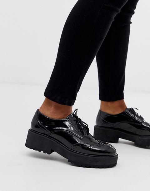 Zapatos Planos De Charol Con Cordones Gallo De Head Over Heels de ASOS en 21 Buttons