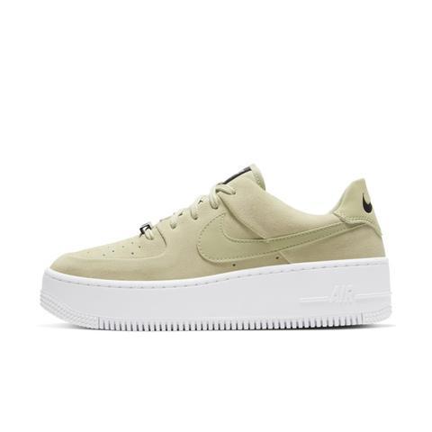 Nike Air Force 1 Sage Low Zapatillas - Mujer - Oliva de Nike en 21 Buttons