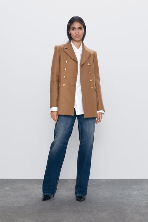 Abrigo Corto Botones de Zara en 21 Buttons