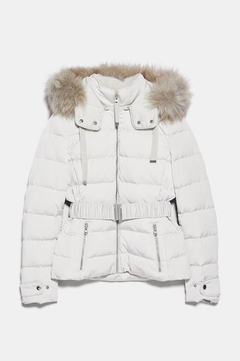 Abrigo Acolchado Capucha de Zara en 21 Buttons