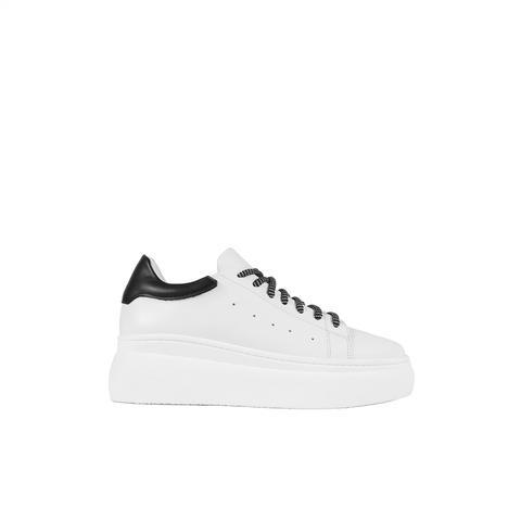 Sneaker Plataforma Nina Negra de Un Paso Mas en 21 Buttons