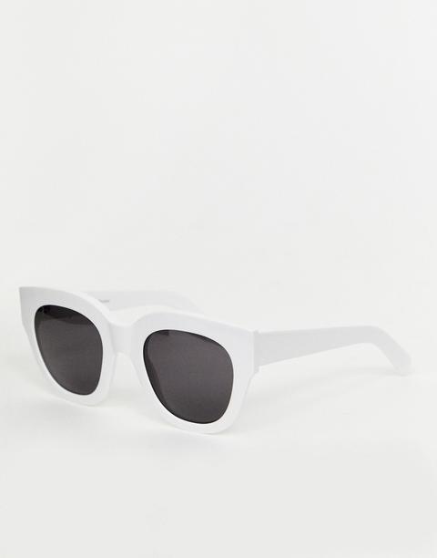 Gafas De Sol Estilo Ojos De Gato En Blanco Cleo De Monokel Eyewear de ASOS en 21 Buttons