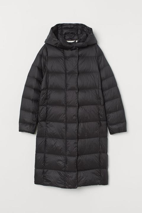 Abrigo Plumífero Con Capucha - Negro de H&M en 21 Buttons