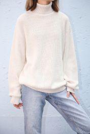 Agnes Turtleneck Sweater de Brandy Melville en 21 Buttons