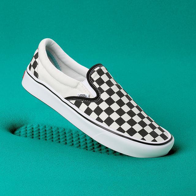 Vans Chaussures Old Skool Platform (true White) Femme Blanc from Vans on 21 Buttons