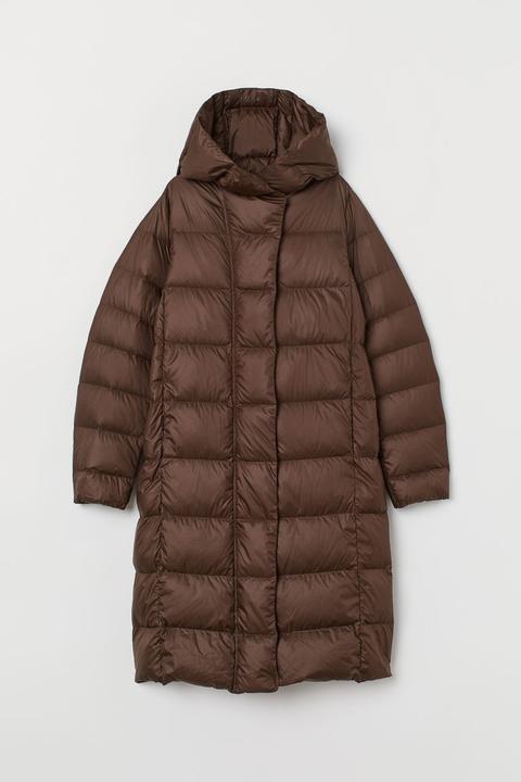 Abrigo Plumífero Con Capucha - Marrón de H&M en 21 Buttons