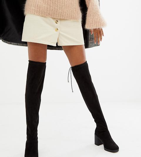 New Look Overknee stiefel Mit Robustem Absatz Schwarz from ASOS on 21 Buttons