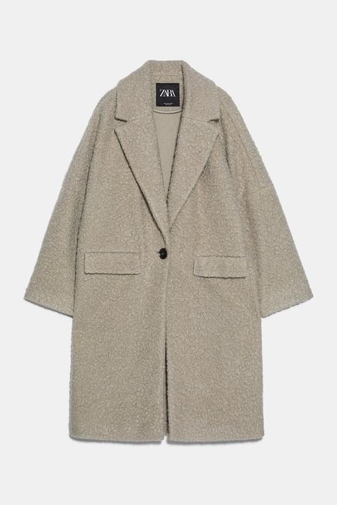 Abrigo Oversize Bouclé de Zara en 21 Buttons
