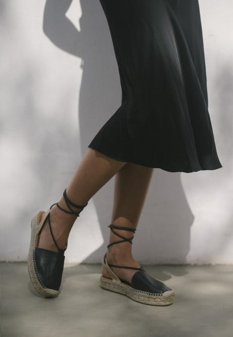 Cristinas Black de Alohas Sandals en 21 Buttons